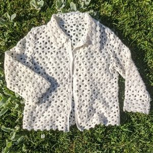 Vintage Daisy Crochet Cardigan In White